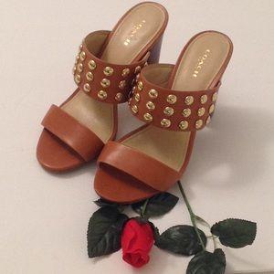 🍃🌹Coach - Cognac 'Olivia' Gold Studded Heels 🍃